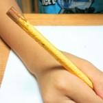 鉛筆を噛む子どもへの対処法